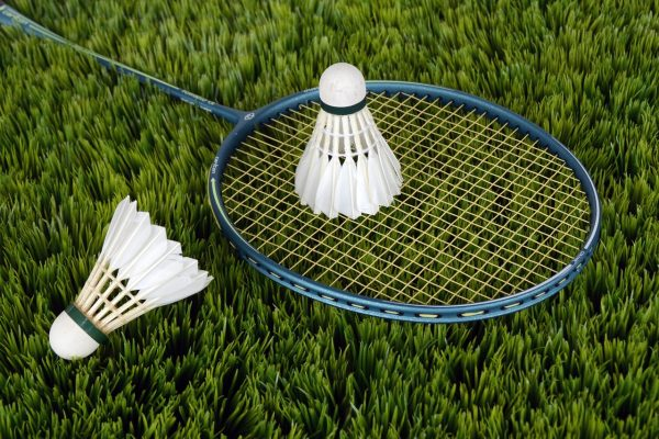 Ace your shots: How to play badminton right