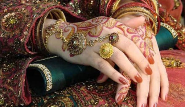 Worried about planning the wedding of your dreams? Get a personal loan