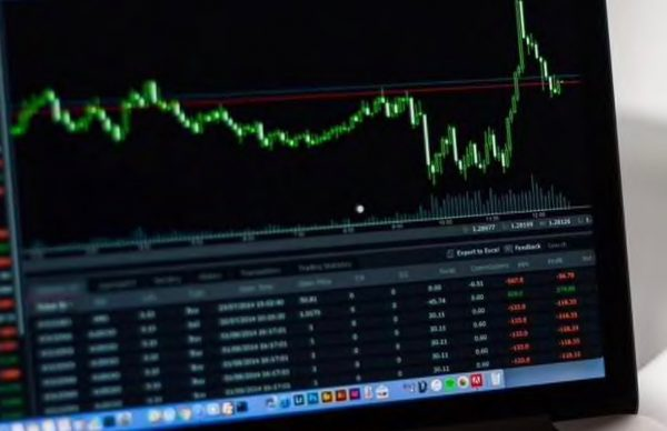How to choose a stockbroker before you start trading